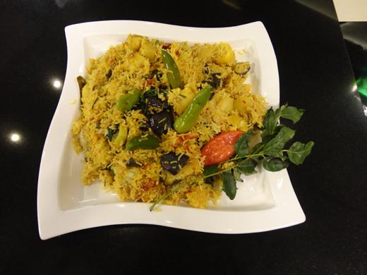 Masala Aaloo Baingan Rice Recipe by Rida Aftab