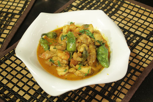 Prawns And Chicken Curry Recipe by Rida Aftab