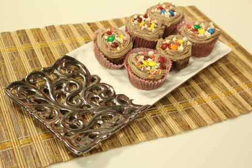 Cake Icing Recipe In Urdu: Chocolate Cupcake With Butter Icing Recipe By Shireen