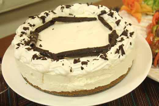 White Chocolate Cheese Cake Recipe by Shireen Anwar