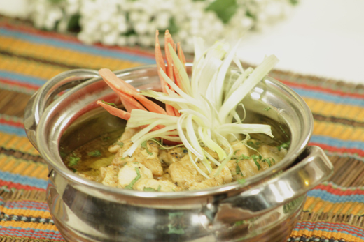 Chicken White Handi Recipe by Shireen Anwar – Recipes in ...