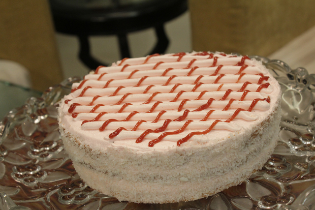 Cake Recipes In Urdu With Pictures: Butter Icing Cake Recipe By Shireen Anwar