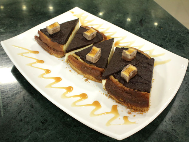 Crunchie Cheese Cake Recipe by Zarnak Sidhwa