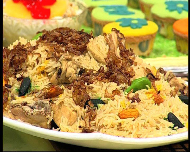 Nauratan Chicken Pulao Recipe by Zubaida Tariq