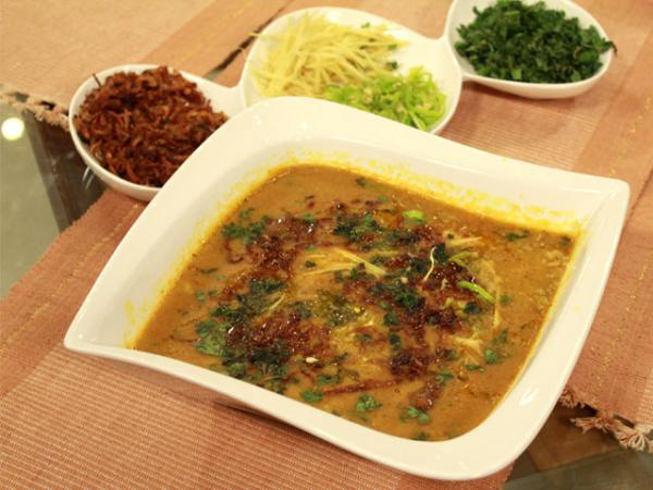 Jhatt Patt Haleem recipe by Zubaida Tariq. This delightful Main Course recipe of Jhatt Patt Haleem can be ready in approximately 40 Minutes and good to serve around 3-4 People. Follow all the steps recommended by Chef to get a perfect dish