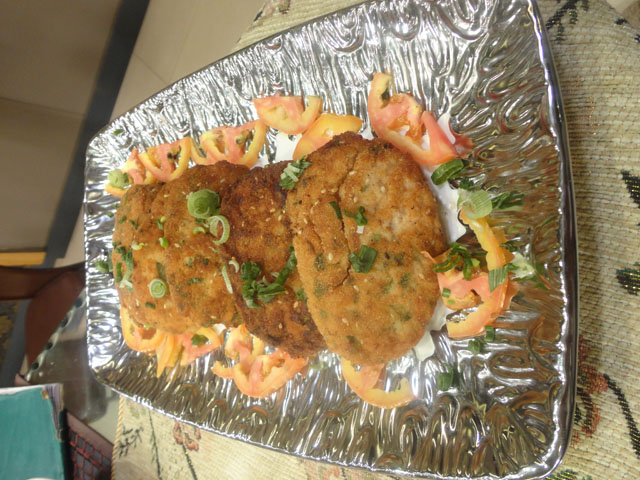 Bohri Chicken Cutlets recipe by Zubaida Tariq. This delightful Ramadan Recipes recipe of Bohri Chicken Cutlets can be ready in approximately 30 Minutes and good to serve around 2-4 People. Follow all the steps recommended by Chef to get a perfect dish.