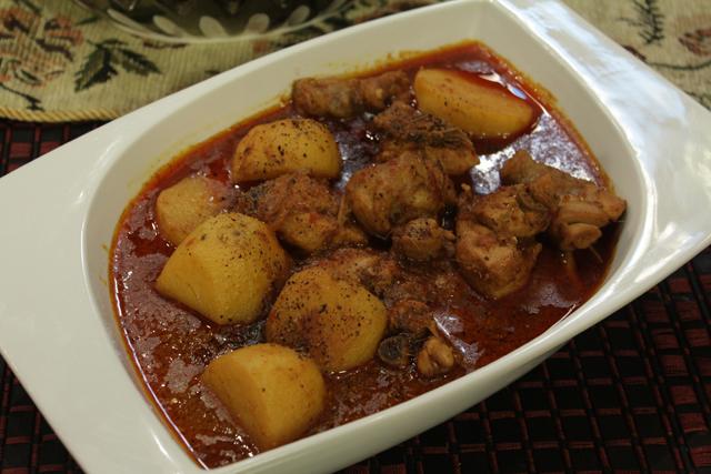 Mughlai Dahi Aalo Chicken Recipe By Zubaida Tariq Recipes In Urdu